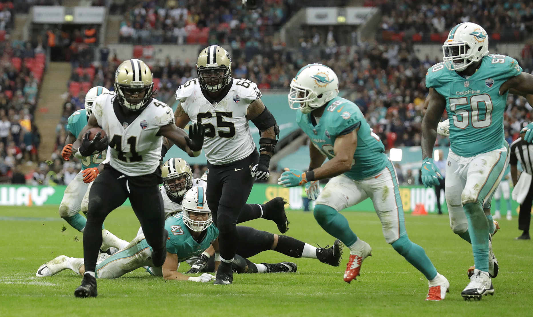 Alvin Kamara wins Pepsi Rookie of the Week honors