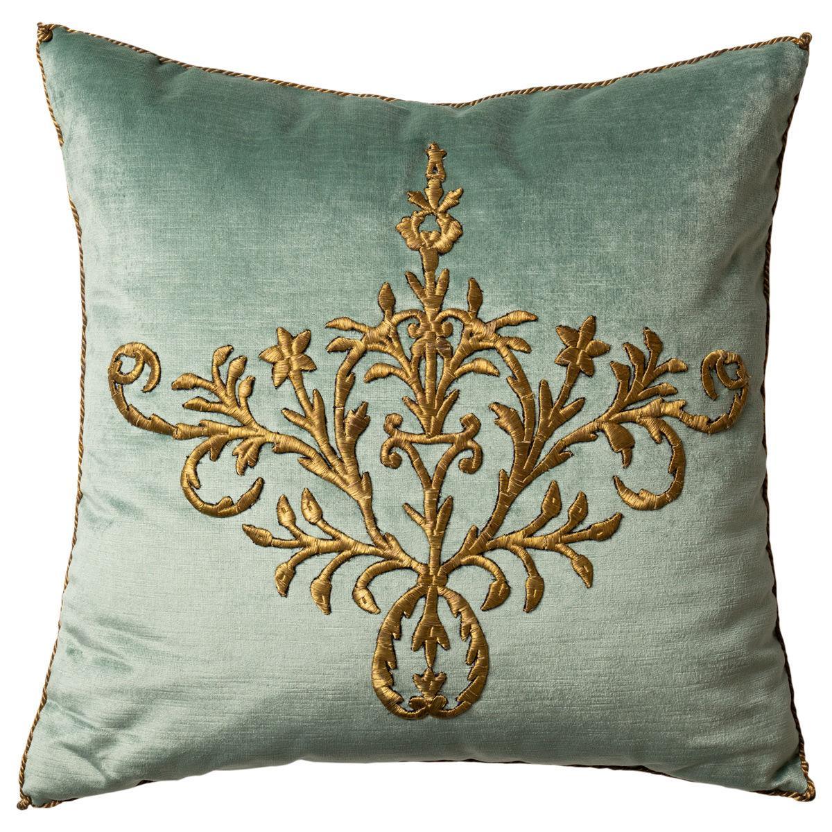 Pillow d-2.jpg
