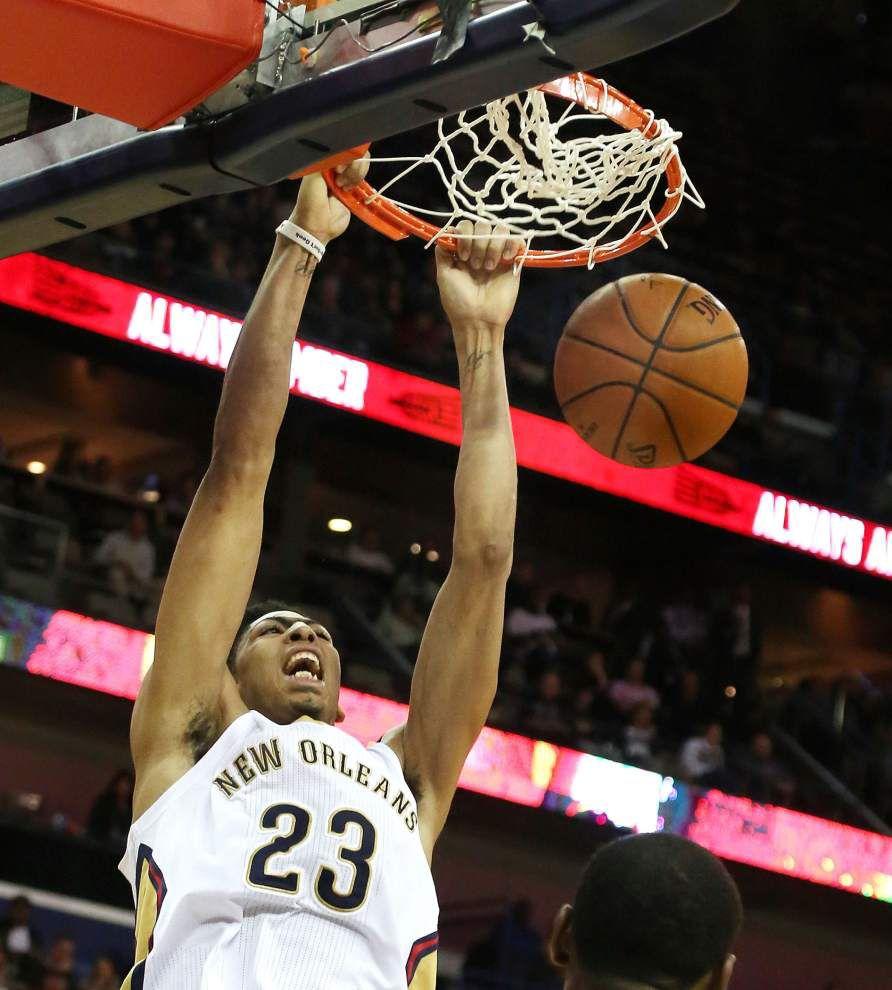 New Orleans ends Hawks' win streak _lowres