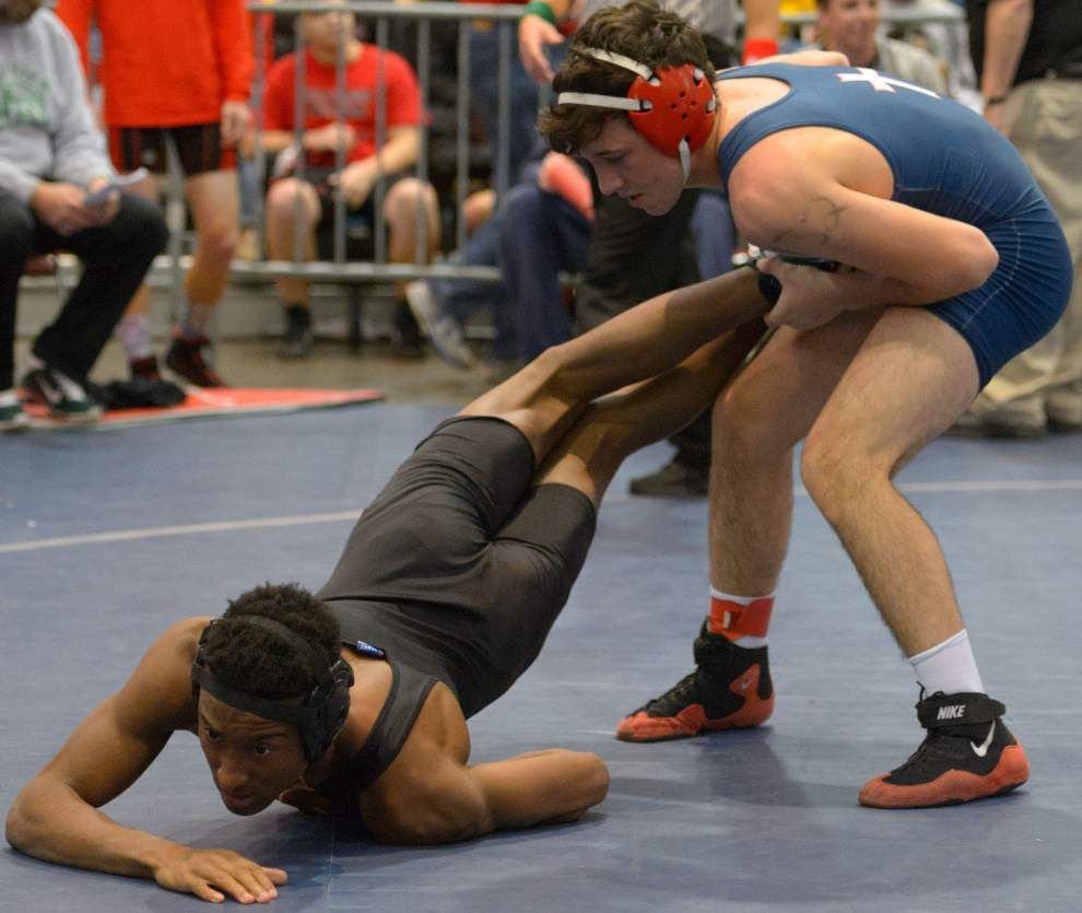 Teurlings lead Division II at state wrestling tournament _lowres