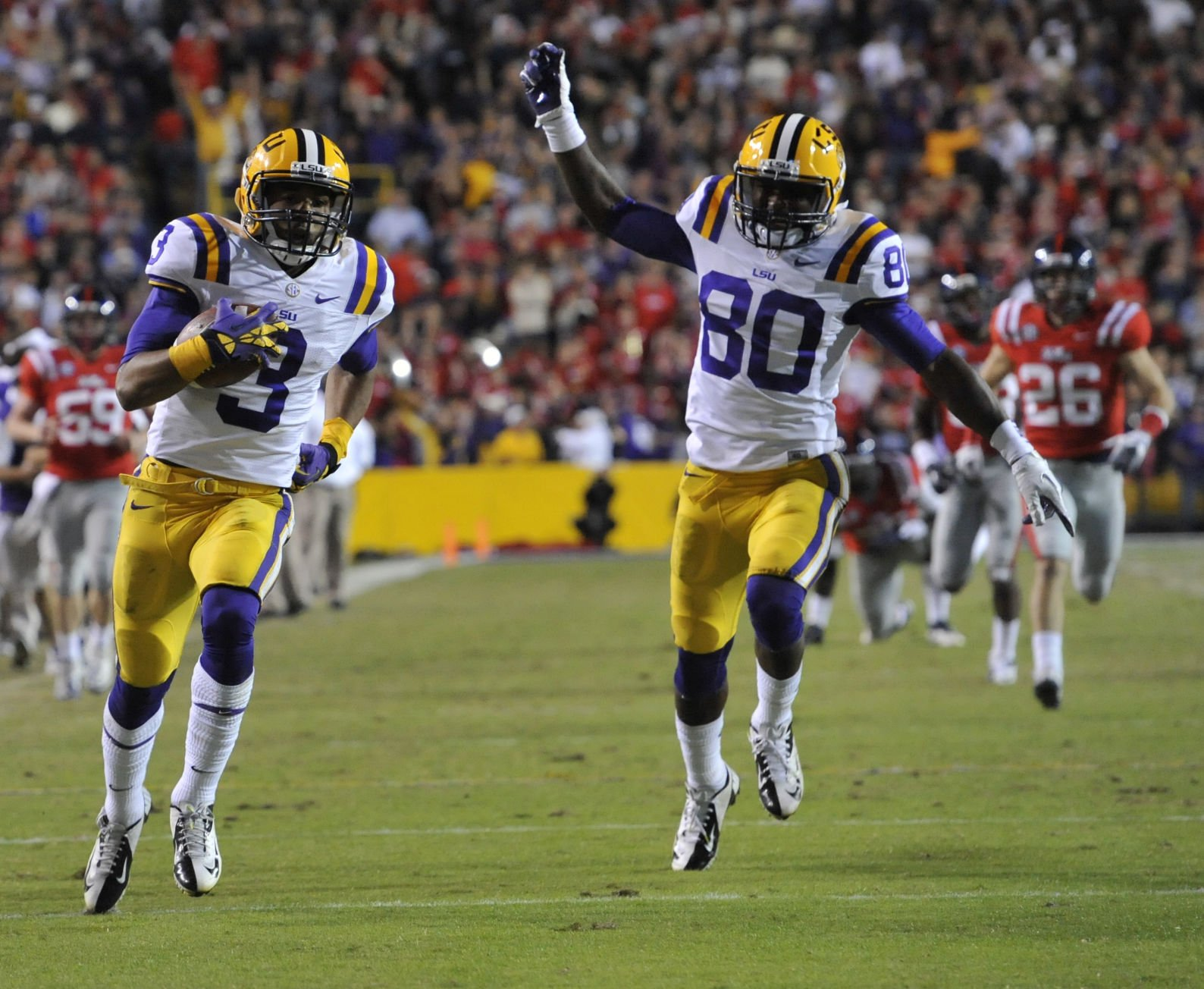 LSU football star Odell Beckham Jr runs for a TD