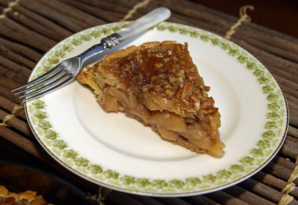 Gourmet Galley: Fall is for apple pies _lowres
