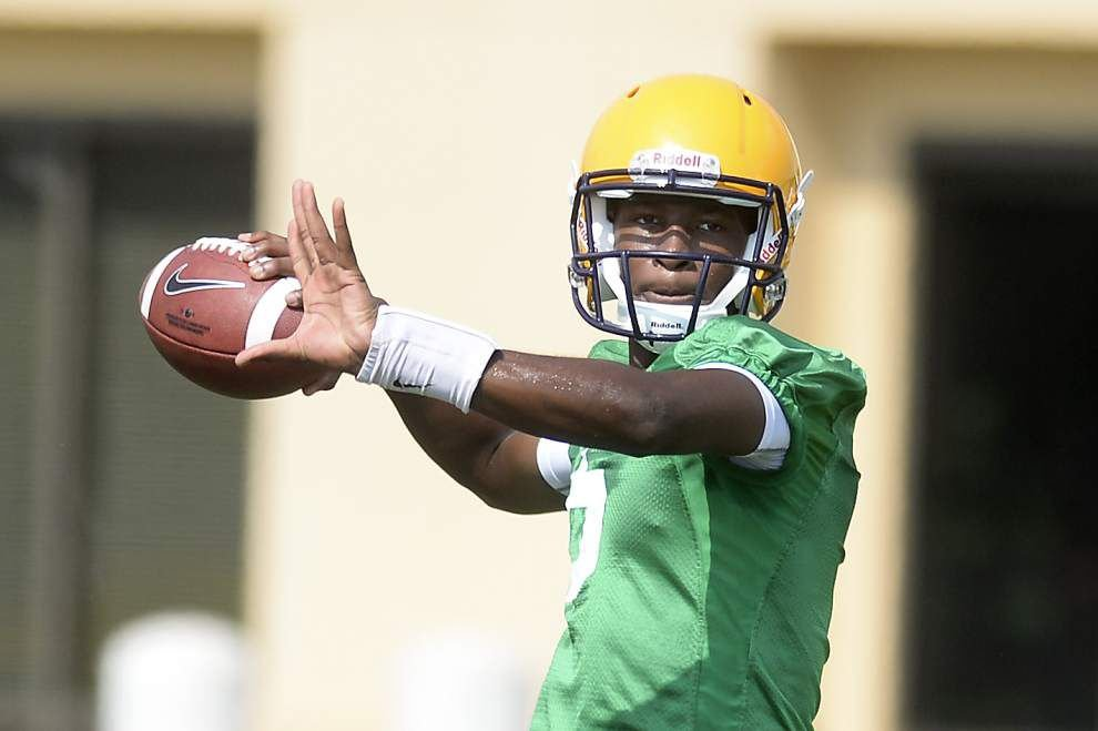 Video: Harris, Foster work out in QB drills _lowres