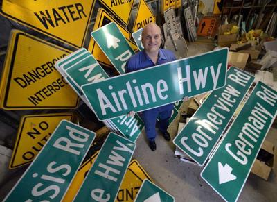 Parish to post new, larger street signs _lowres