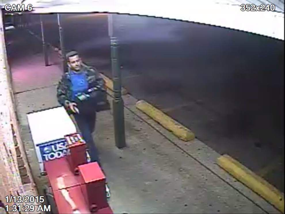 Baton Rouge Police News: Man breaks into donut shop, leaves with more than donuts _lowres