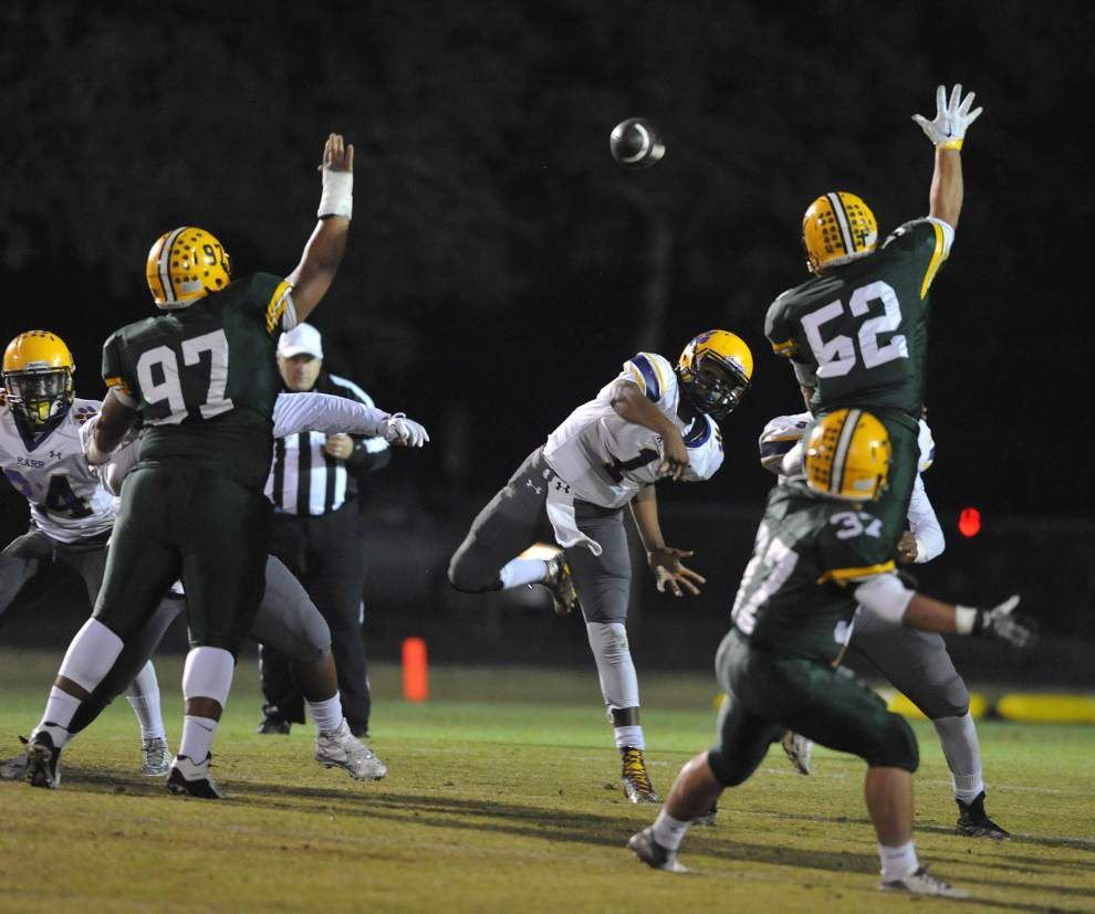 After slow start, Karr back in Dome with big challenge in No. 1 Neville _lowres