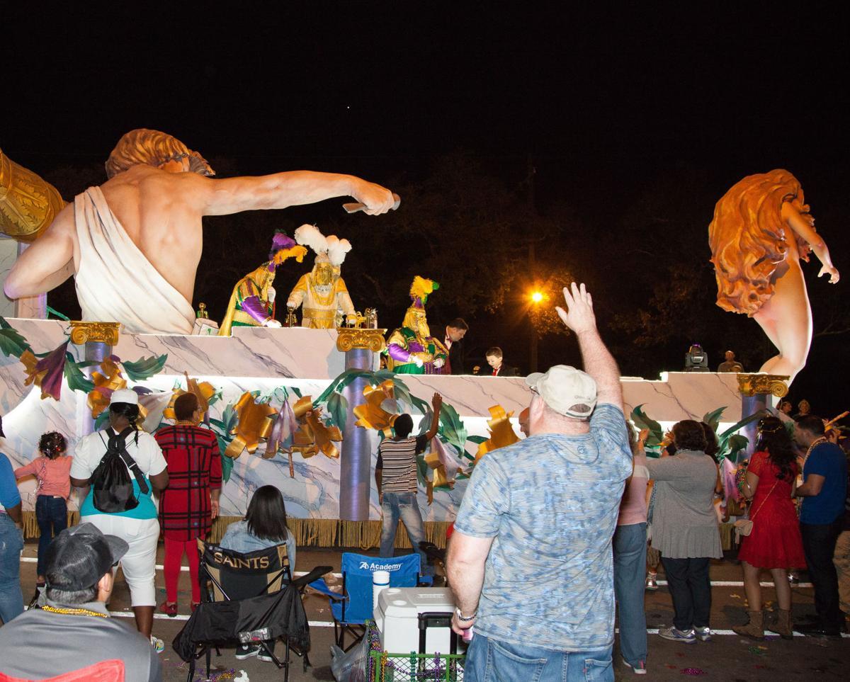 NO.uptownnightparades009.021917.jpg