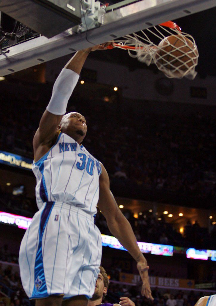 Hornets beat the (YAWN) Kings_lowres