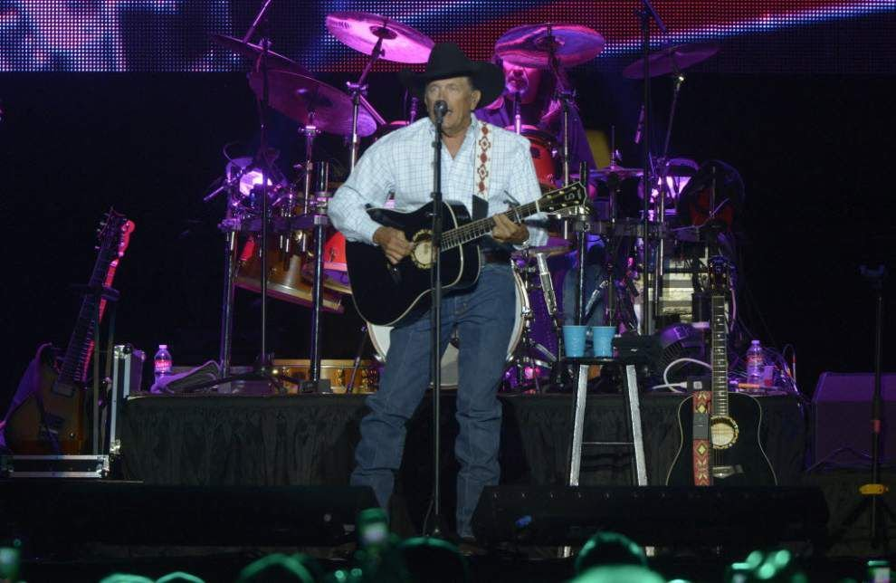 Strait headlines Bayou Country Superfest Friday _lowres