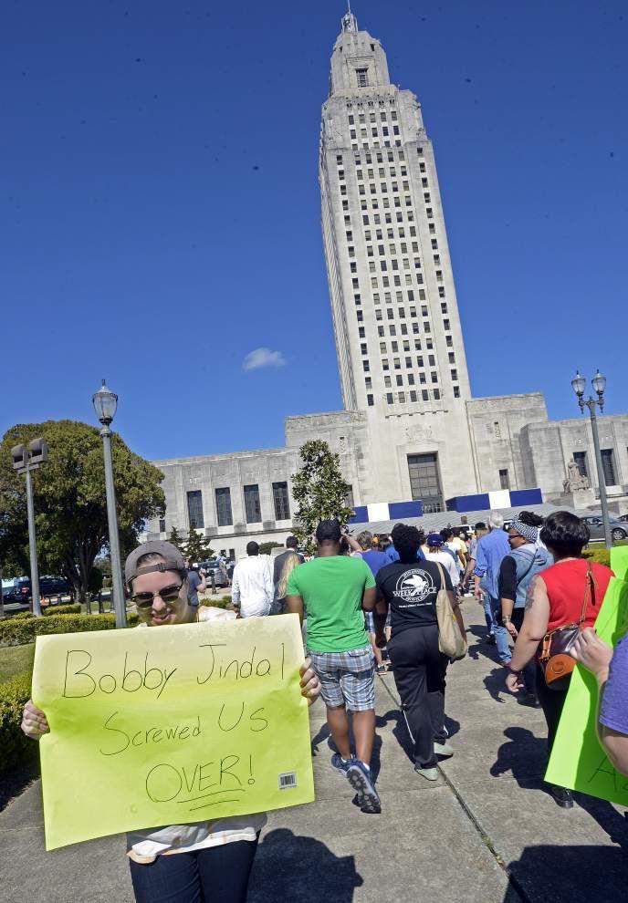 College students rally at Louisiana capitol, demand legislators 'save our schools' _lowres