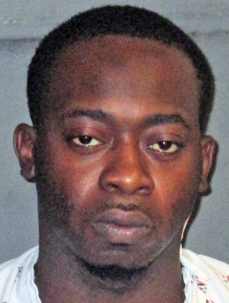 Two East Baton Rouge deputies involved in shooting at nightclub; 2 people injured _lowres
