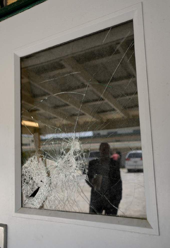 Vandals strike Galvez Middle; three in custody _lowres