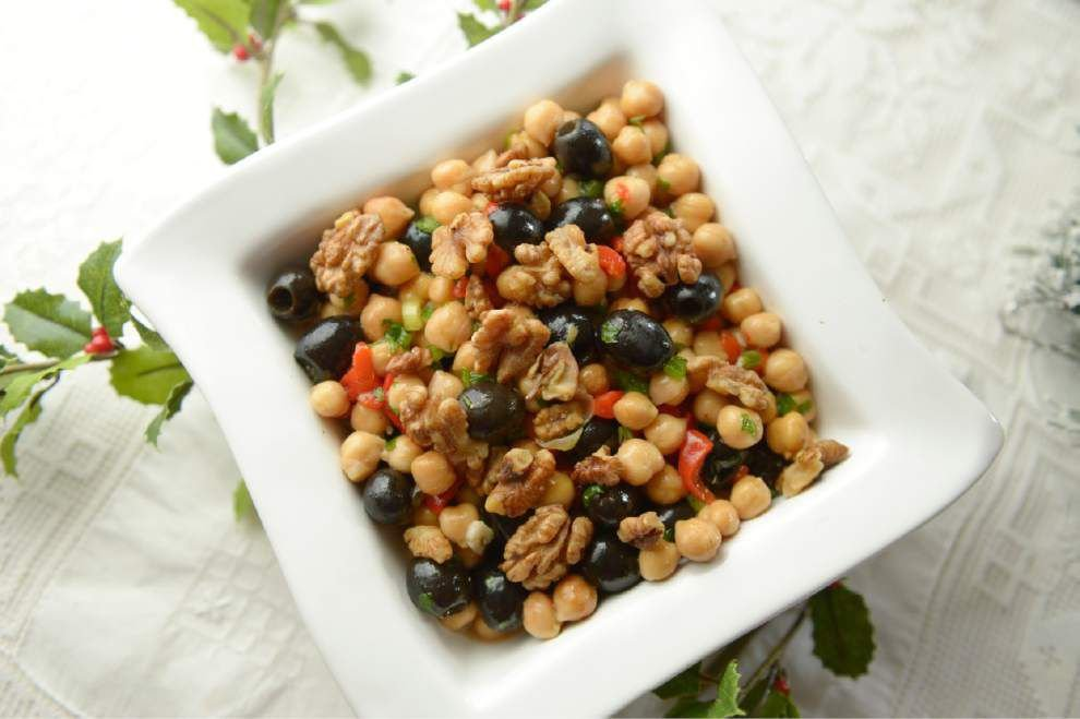 Eat your Vegetables: Make a tasty bean salad for the holidays _lowres