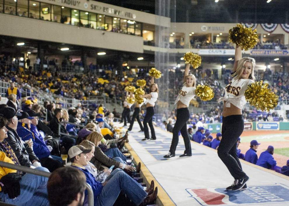 LSU leads college baseball in paid attendance after the first month of the season _lowres