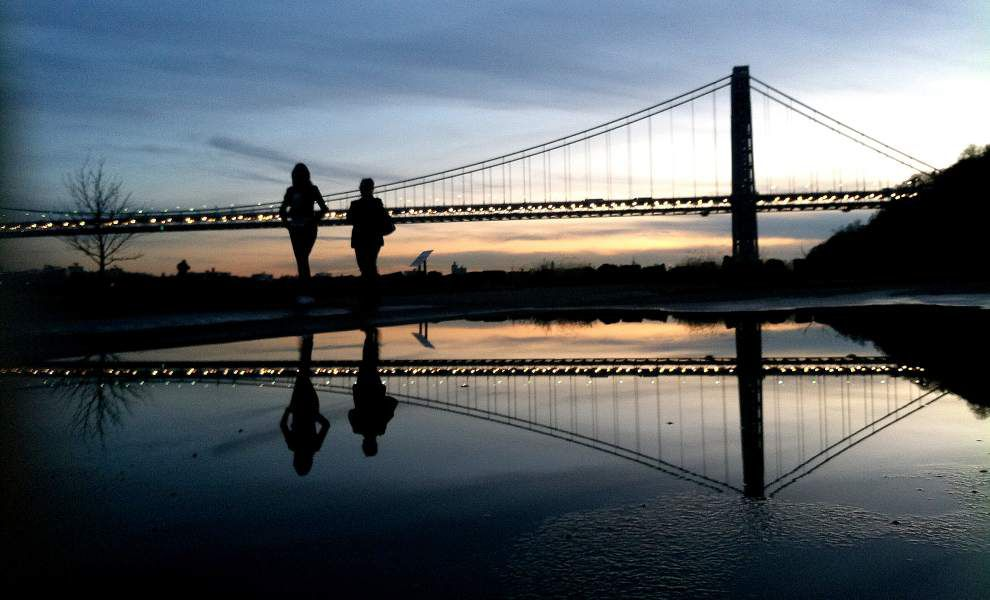 N.J. town caught in scandal loves, hates that bridge _lowres