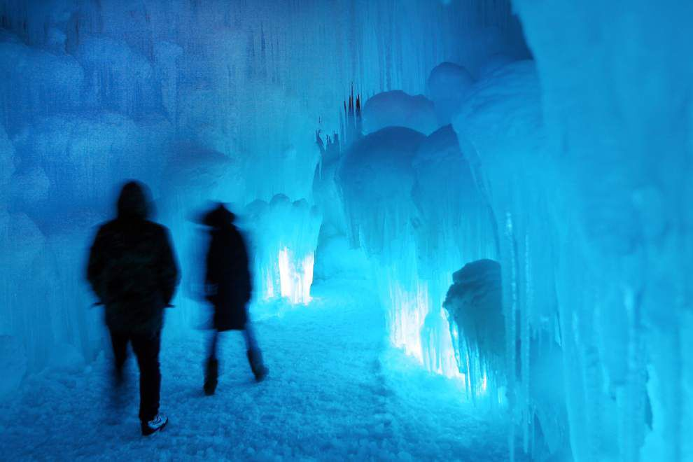 Ice castles become tourist attractions in 3 states _lowres