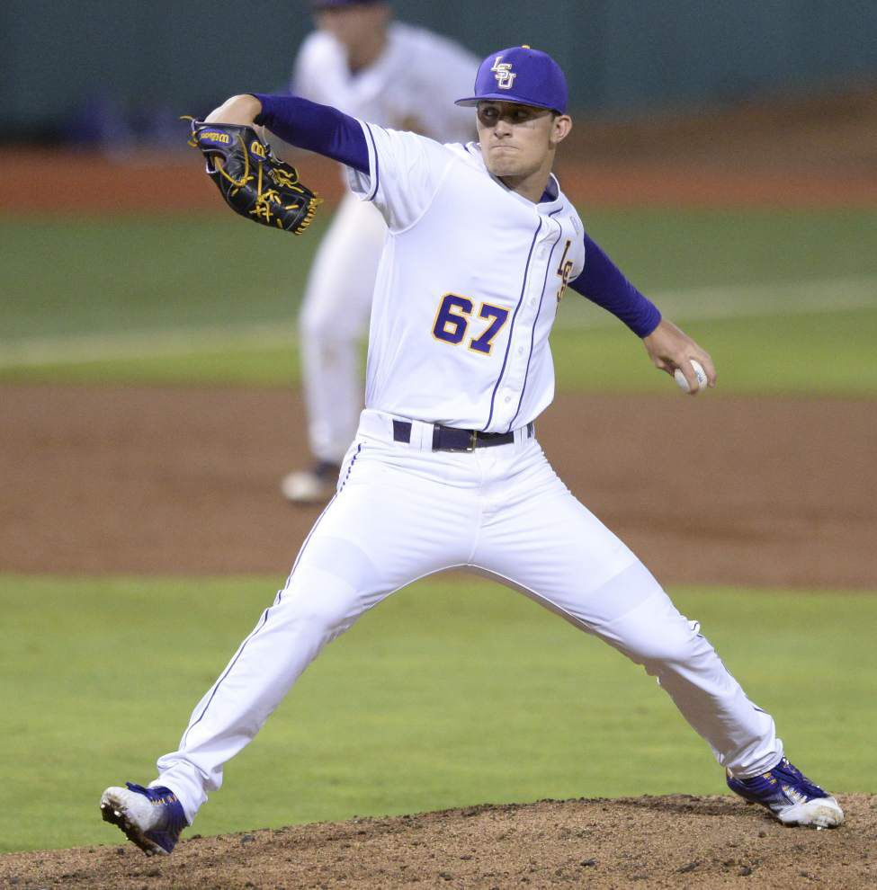 Veterans Jared Poché, Jake Fraley carry LSU to regional-opening victory against Utah Valley _lowres