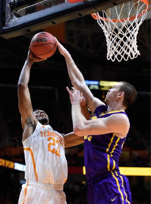 A look inside the LSU men's basketball team's mindset before pivotal game vs. Texas A&M _lowres