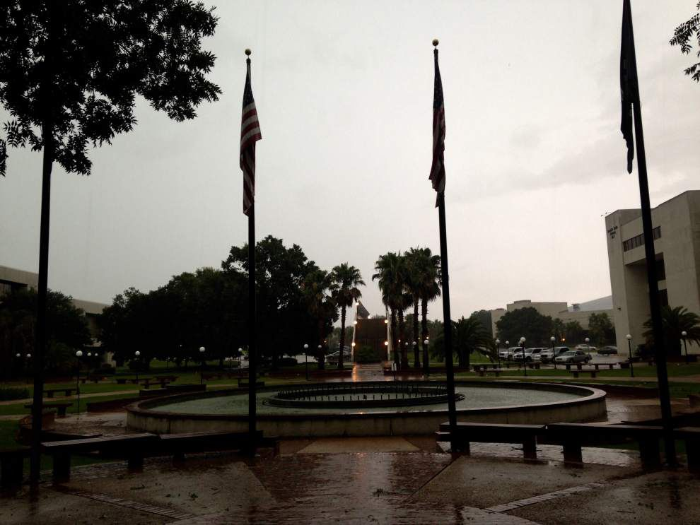 Two men fear lightning struck them, avoid serious injury during Baton Rouge severe storms _lowres