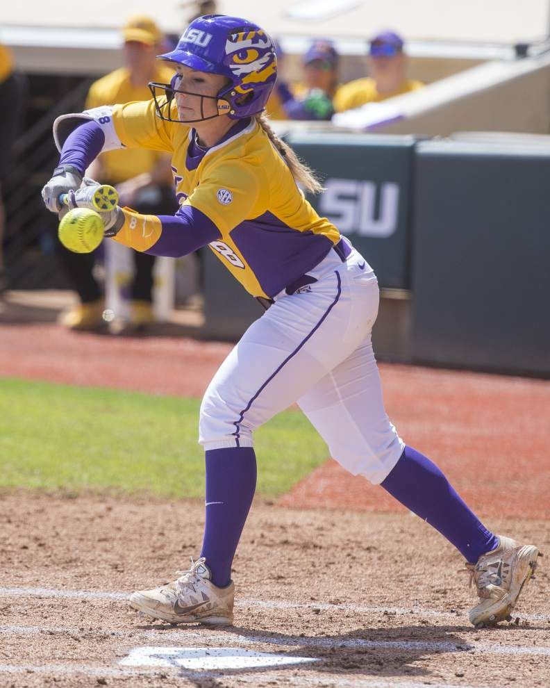 LSU softball team prepared for turf outfield in super regional _lowres
