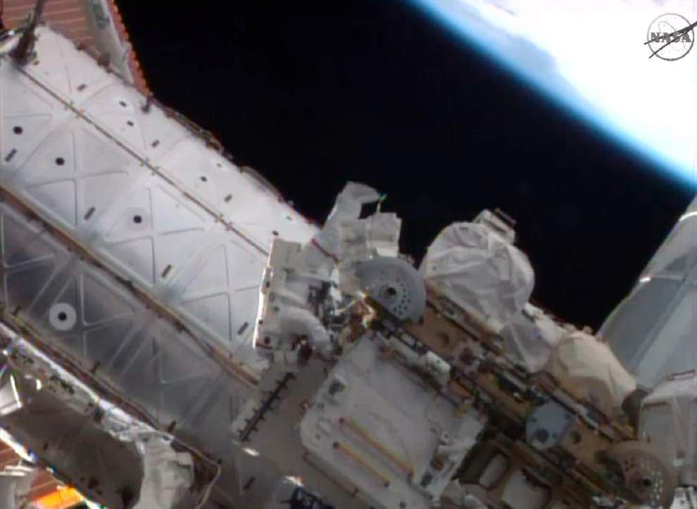 Astronauts resume routine spacewalks for NASA _lowres