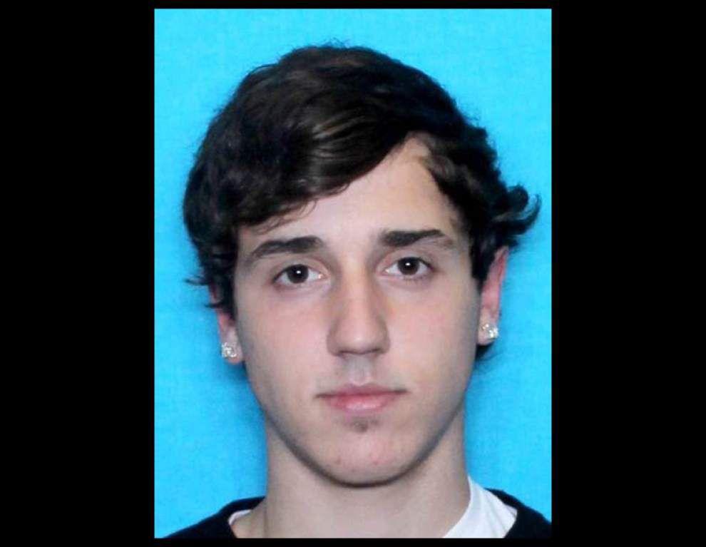 Man, 19, dead in apparent suicide as Ascension deputies try to get him, teen to surrender in rash of burglaries _lowres