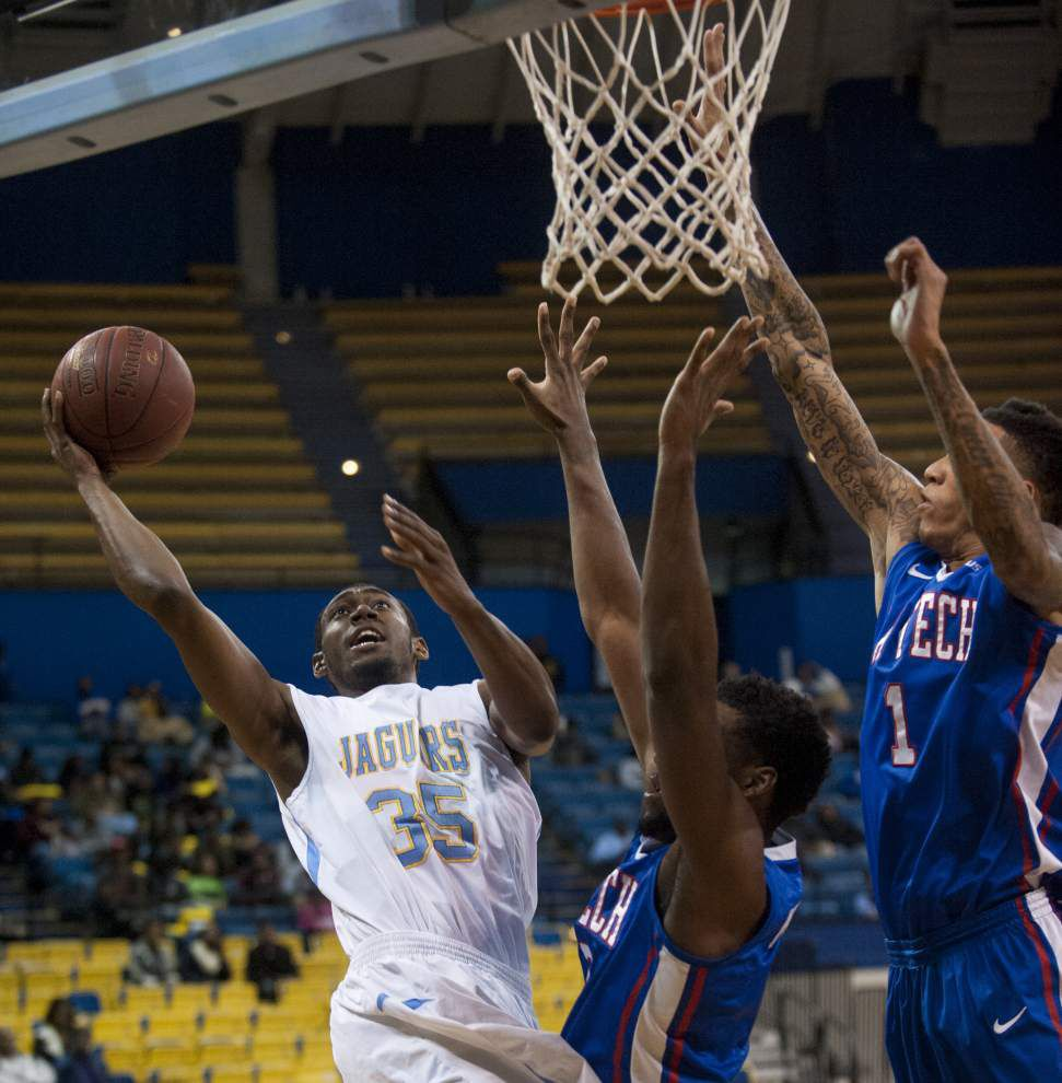Southern hangs with Louisiana Tech but falters late _lowres