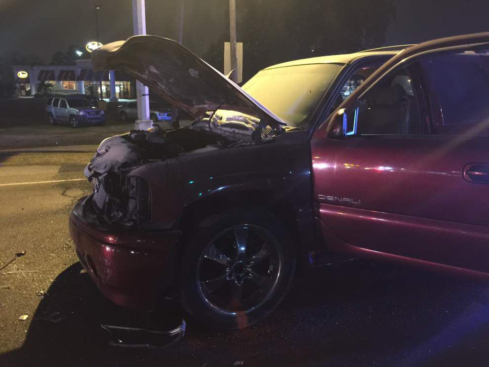 Five people injured -- two critically -- in Gonzales wreck on Sunday night _lowres