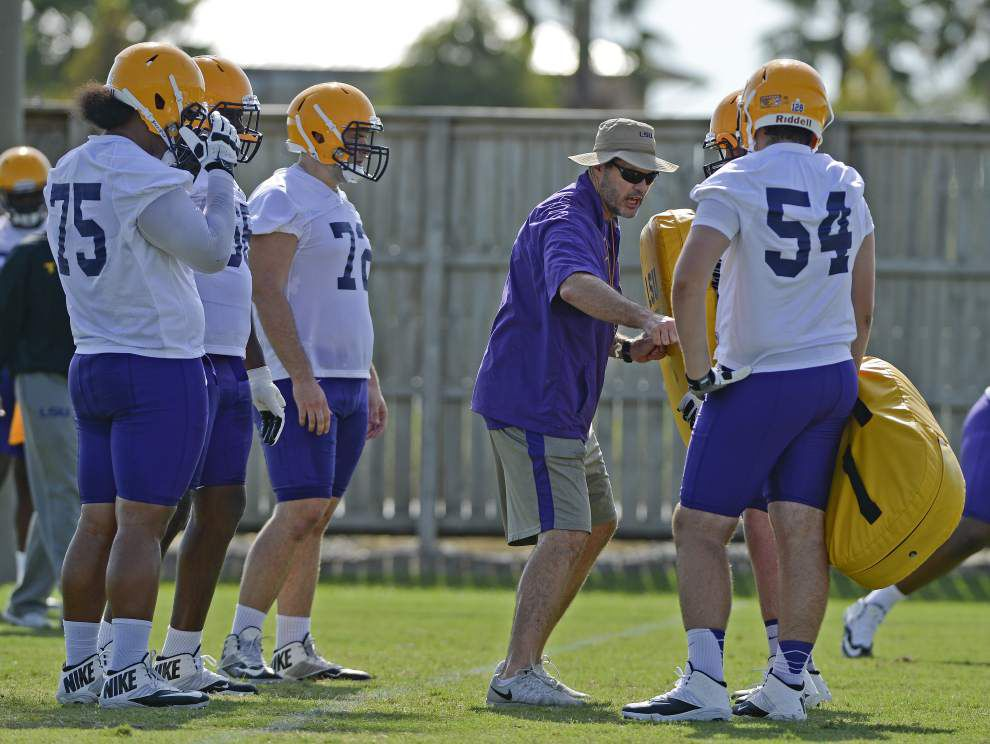 Live Updates: LSU players take questions, catch up with fans during fan and media day _lowres