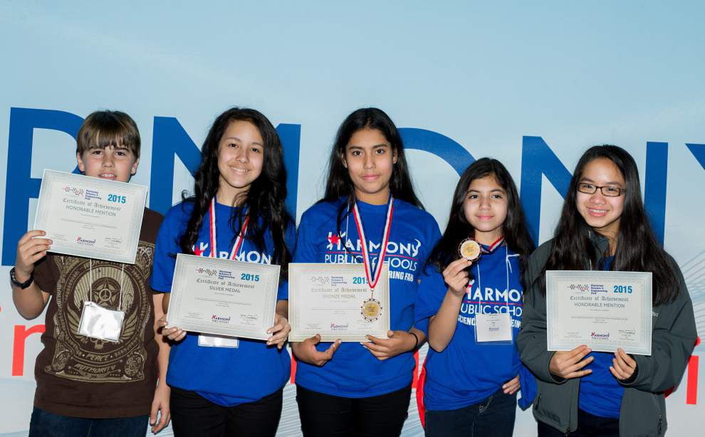 5 Kenilworth students place at science fair in Houston _lowres