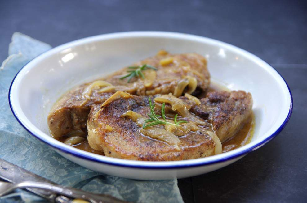 Smothered Pork Chops _lowres