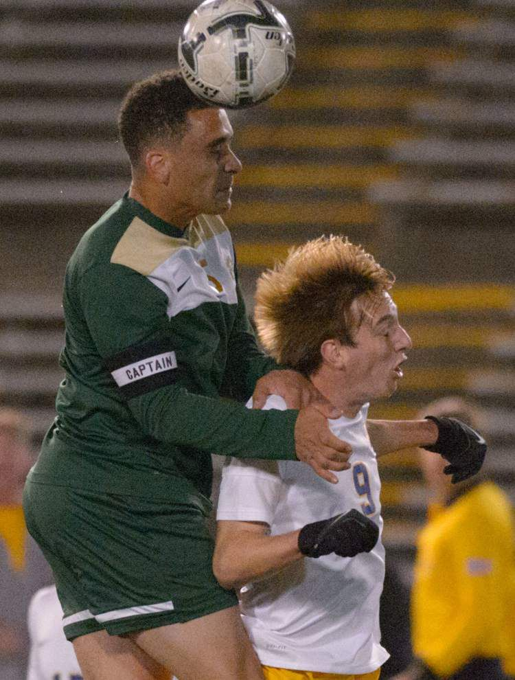 Make it three in a row: St. Paul's boys soccer team blanks Acadiana 3-0 for its third straight state title _lowres