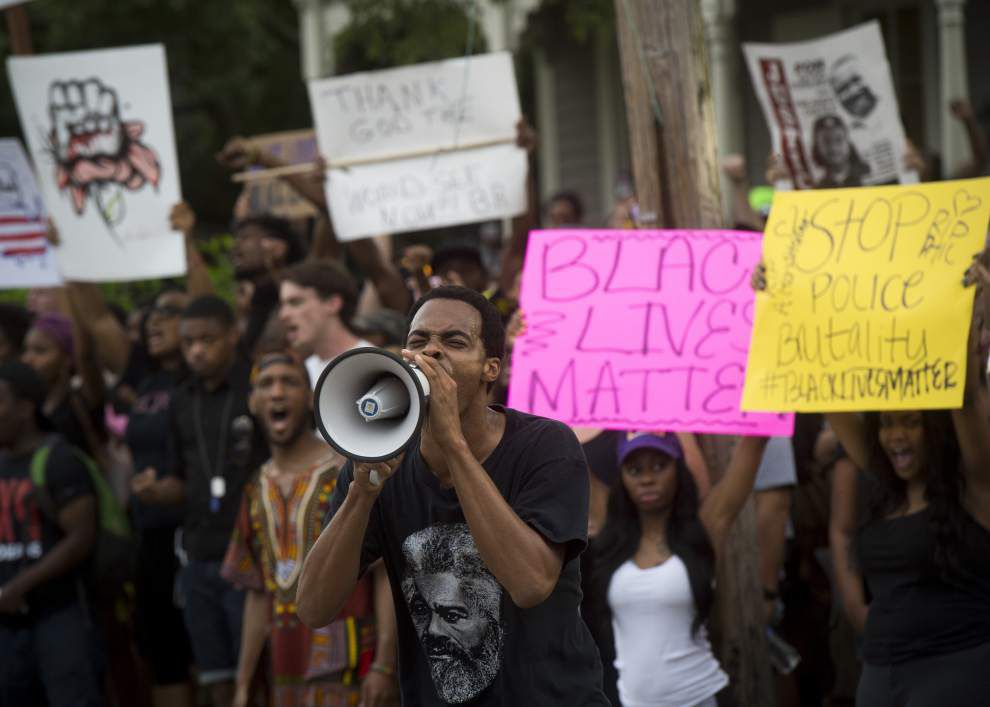 Photos: Alton Sterling protesters chant, march and, for some, arrested Sunday in Baton Rouge _lowres