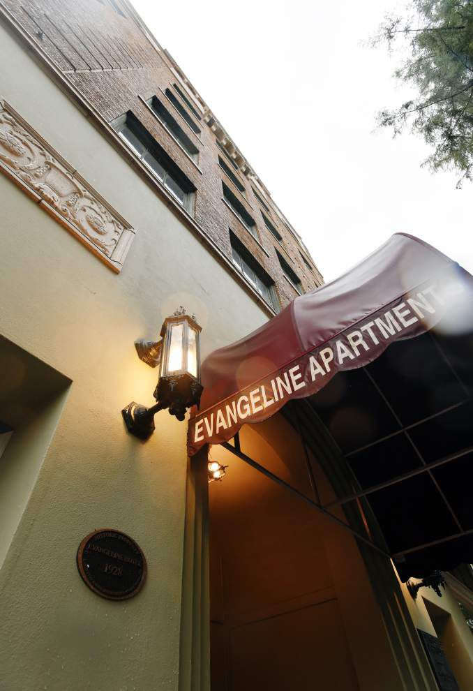 Legislative auditor questions $33,000 in checks cut to former manager of Lafayette's Evangeline Apartments _lowres