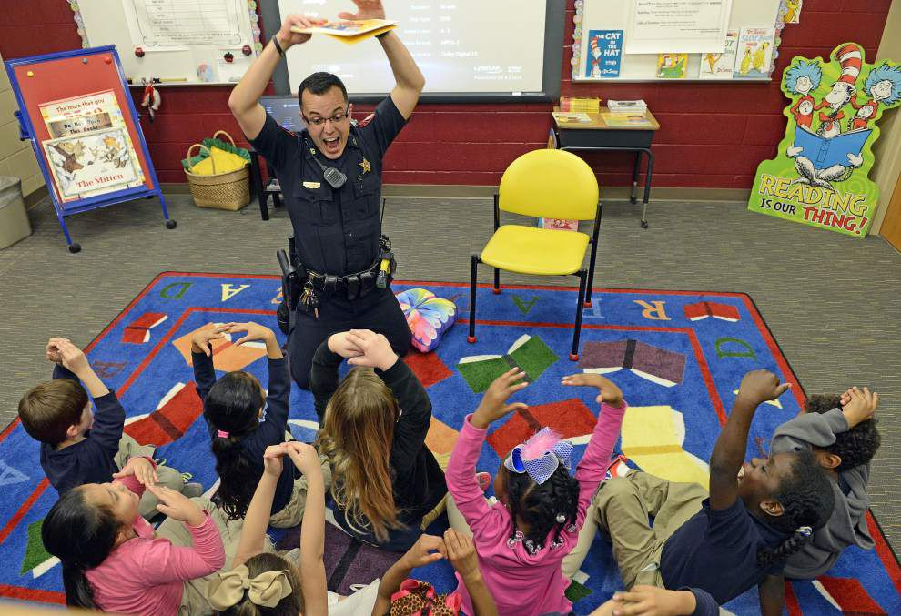Ascension deputies reading to kindergarten students — positive message from 'You Are Sunshine' to lift self-esteem _lowres