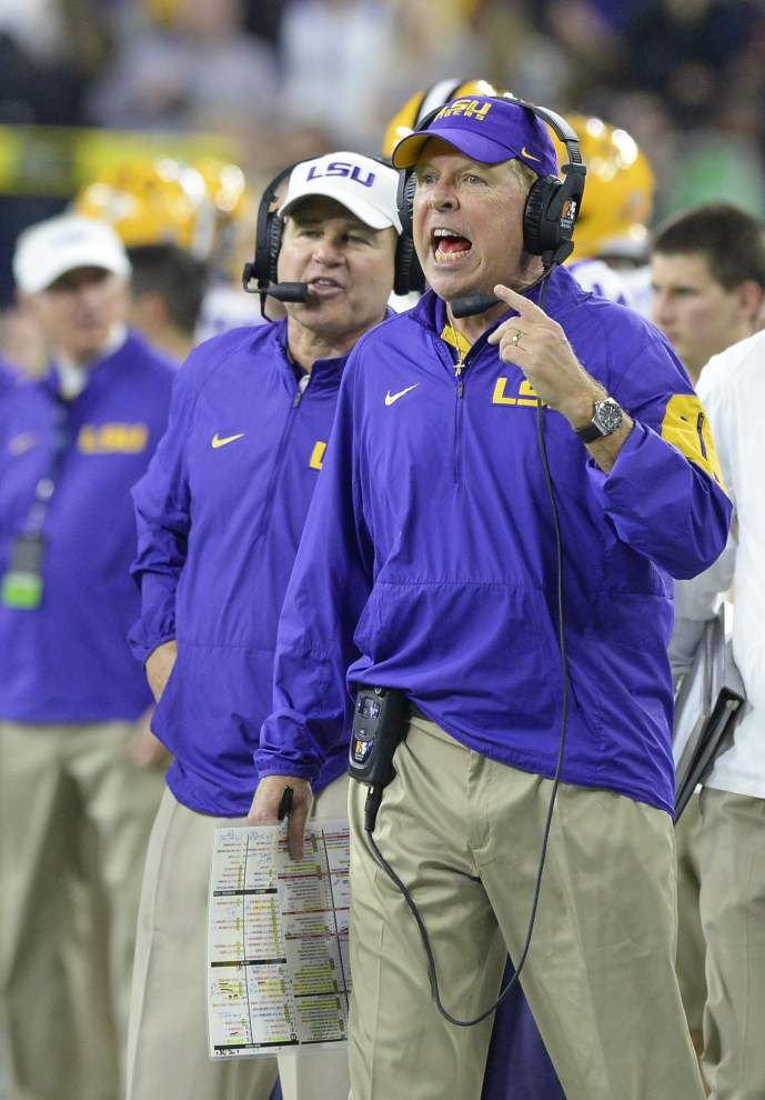 LSU offensive coordinator Cam Cameron considered sideline move earlier in season, made big difference in Texas Bowl win _lowres