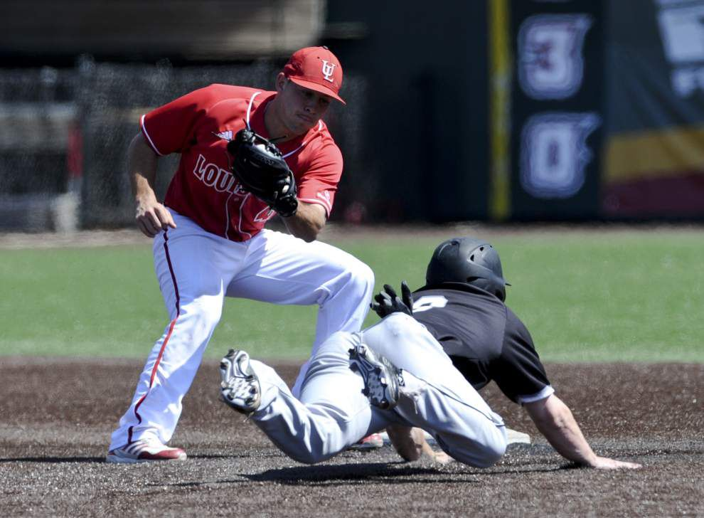 Ragin' Cajuns turn it on in late innings to defeat Arkansas State 9-6 _lowres