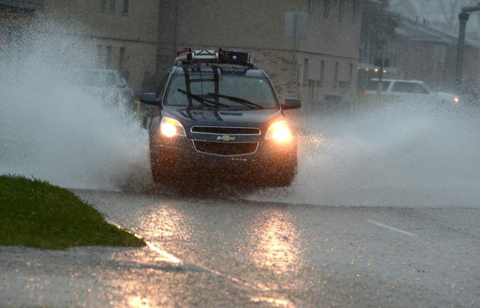 Flash flood watch through Saturday afternoon; many schools, government offices closed because of weather _lowres