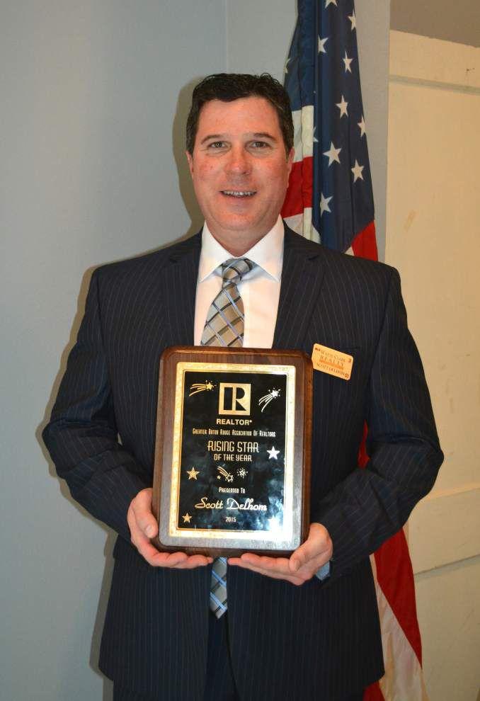 Delhom receives Rising Star real estate award _lowres