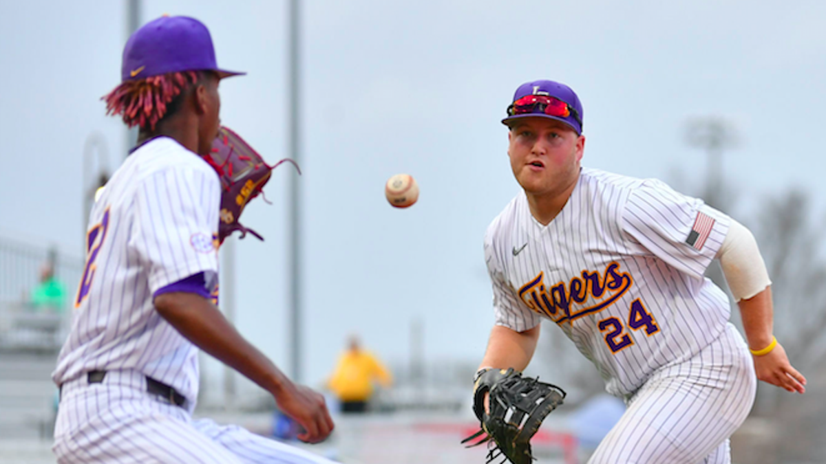Plagued By Mental Lapses And Free Passes Lsu Baseball Loses To Nicholls Lsu Theadvocate Com
