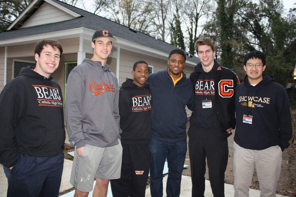 Gant family moves into new Habitat home _lowres
