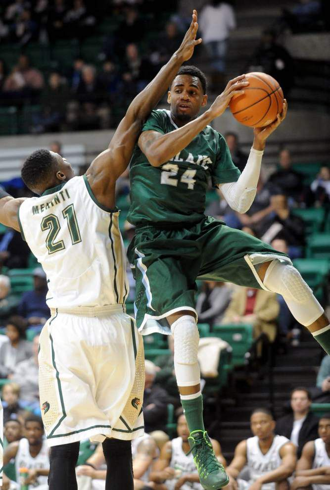 Green Wave men gear up to face another Top 25 team _lowres