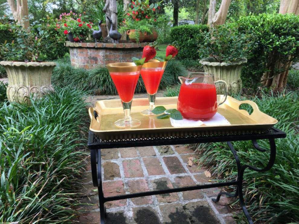 Superb Strawberry Lemonade _lowres