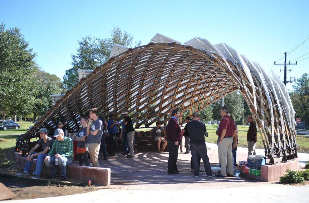 'Lafayette Strong' pavilion on Camellia Boulevard nears completion _lowres