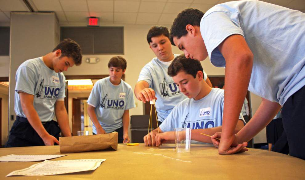 Rummel students explore possibilities during Space Day at UNO _lowres