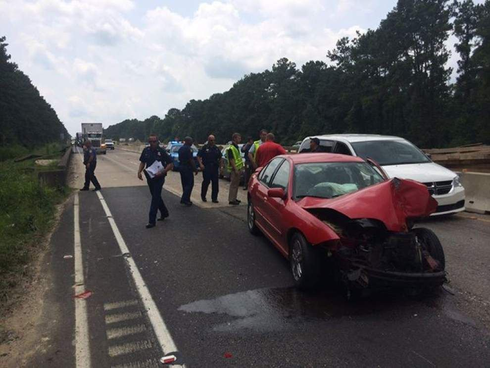 I-12 East back open west of Albany after 6-vehicle wreck _lowres