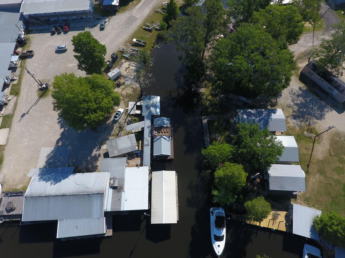 On Louisiana's bayous, houseboat living is cheap and easy