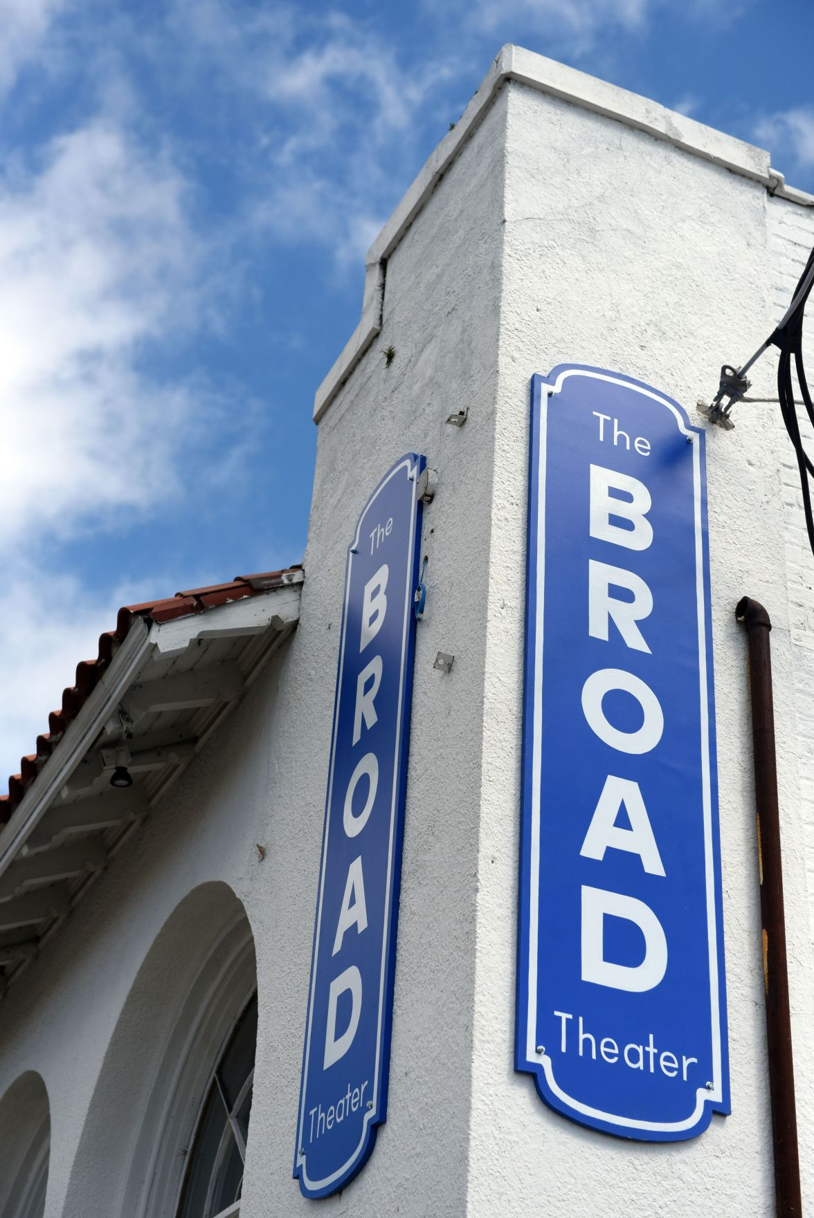 The Broad Theater brings movies back to Mid-City_lowres