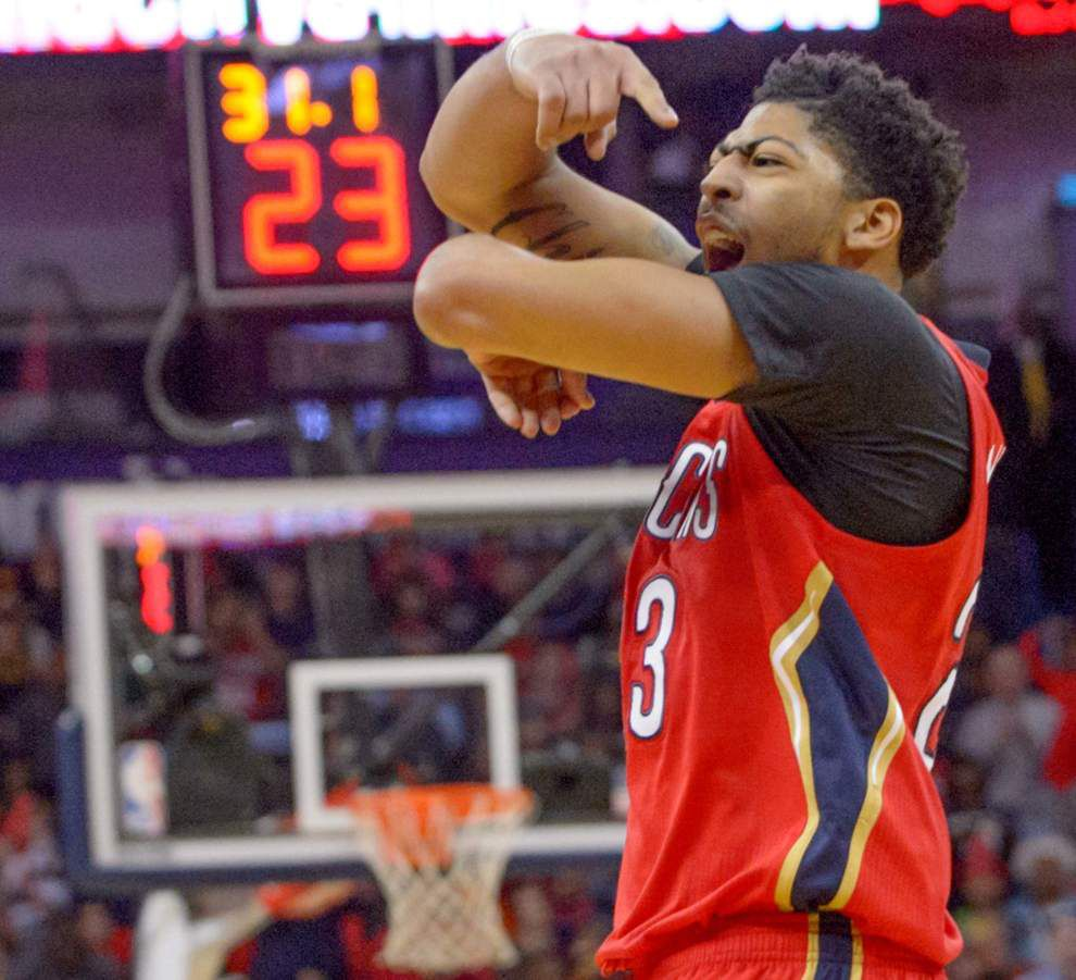 Anthony Davis' monster night — 32 points, 19 rebounds and a pivotal late 3-pointer — lifts Pelicans to 122-116 victory over Phoenix _lowres