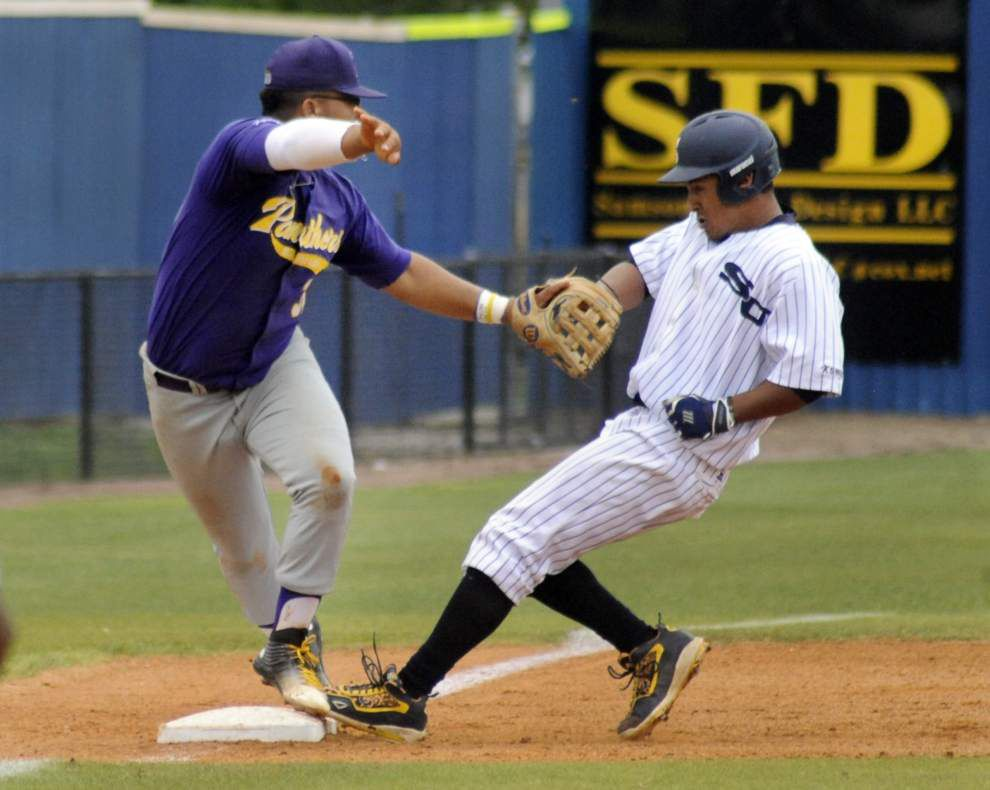 Southern hitters show patience and aggression in routing Prairie View 16-5 _lowres
